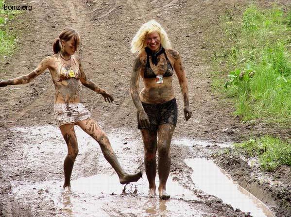 http://bomz.org/i/lol/469611-2011.04.14-09.41.03-bomz.org-lol_doyarki_vozrashayutsya_domoyi.jpg