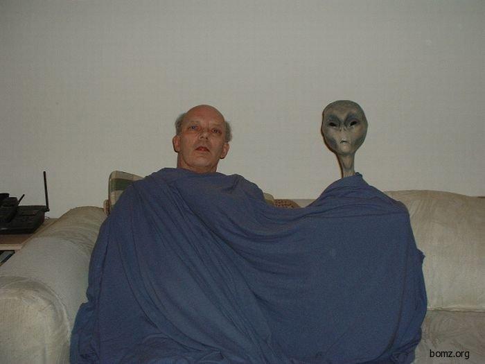 человек и инопланетянин