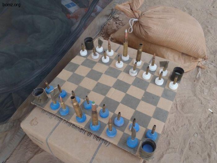 шахматы из патронов