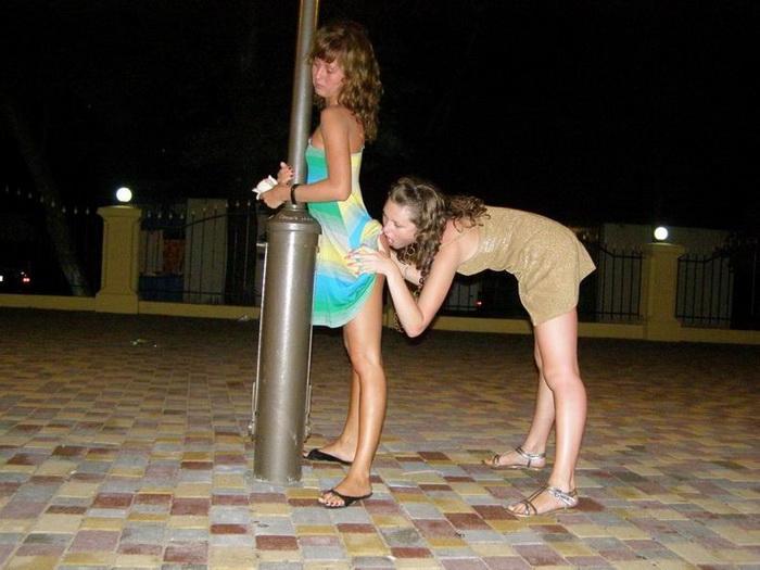 случайные фото девушек в экстрим бикини и без них